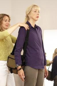 Tasche tragen mit lockerer Schulter